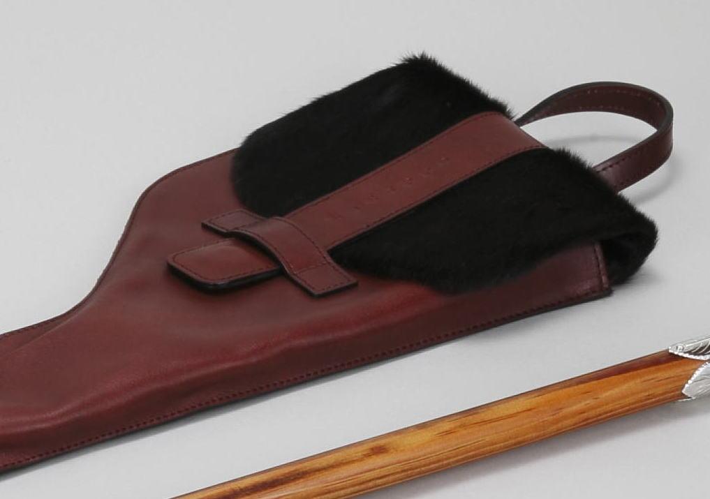 牛革に黒毛馬の毛皮をフタにしたステッキケース
