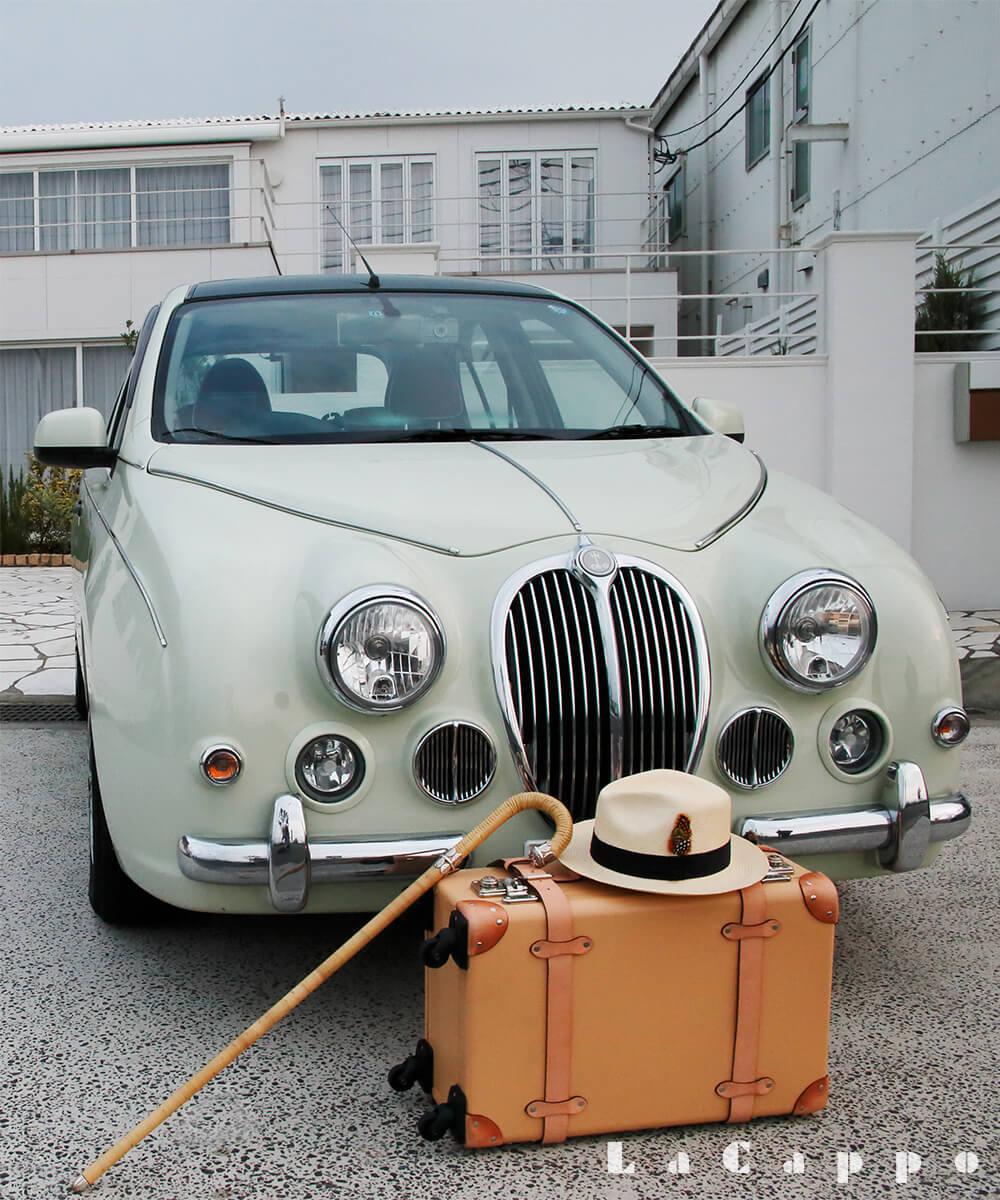 季節のうつろい・色彩(いろどり)を車と共にまとう装いのアイテム
