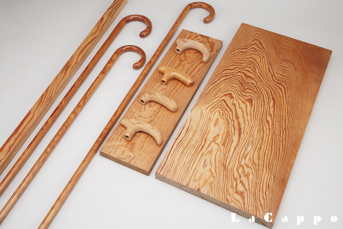左より松(黒松)、原棒、大曲り品、原板、道了松(どうりょうまつ)作品