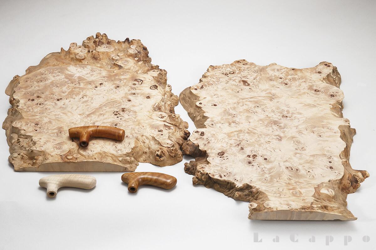 栃の原木の根脇きに付いた根コブ・輪切り材