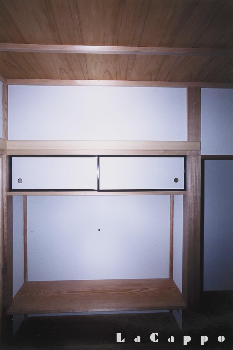 床柱・落掛・造作材すべて桐材を使用した床ノ間