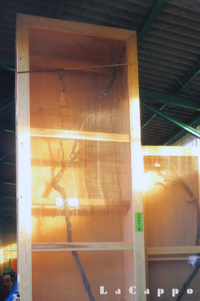 千葉・浦安市・木材市場に出品された南天の床柱
