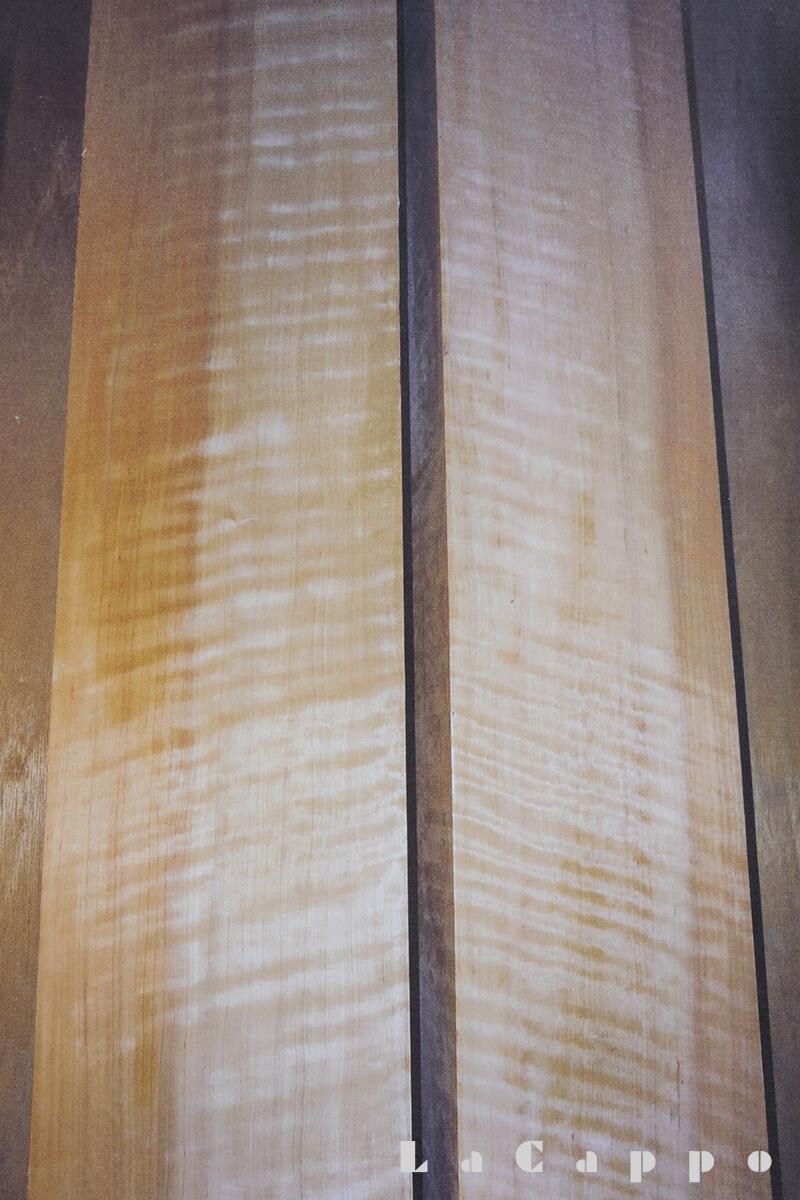 本州産ミズメザクラ(水目桜)と同じ柾材