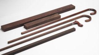 ステッキ用材として製材された無欠点の紫鉄刀木(ムラサキタガヤサン)材・ステッキの王道大曲り・中曲り製品